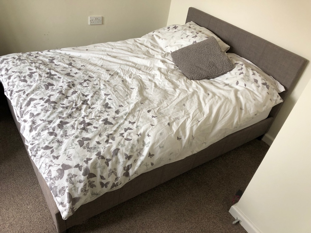Double Bed (spare room) PR4