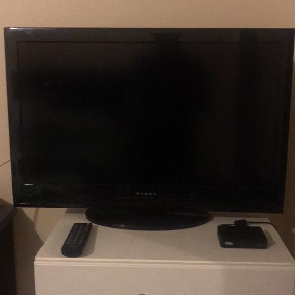 """Dynex - 32"""" Class - LCD - 720p - 60H - HDTV"""