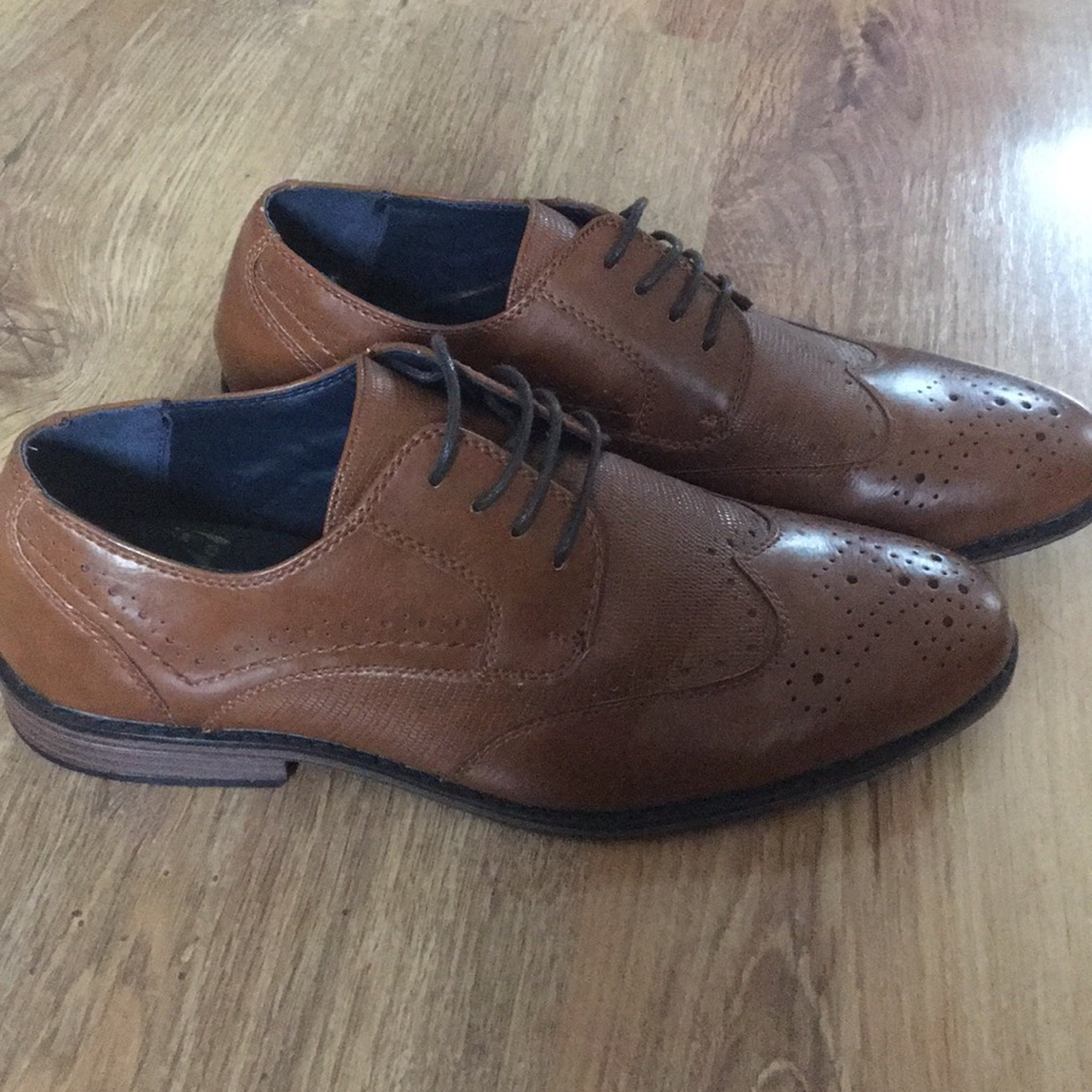 Tan brogues size7 worn once...