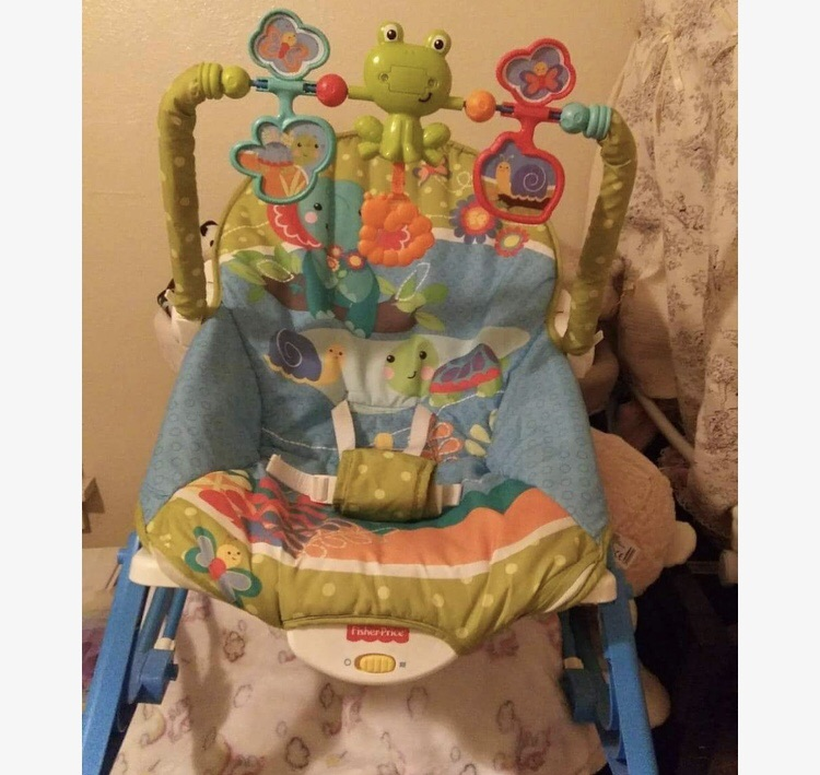 Fisherprice Frog Themed Vibrating Baby Swing