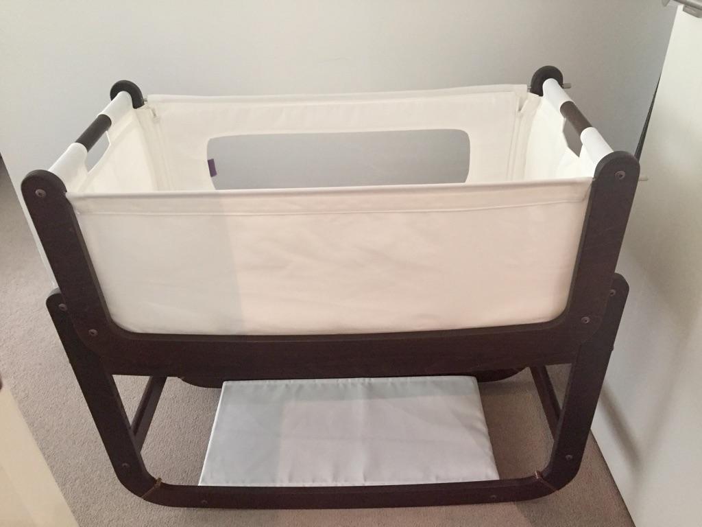 Snuzz baby bassinet and mattress