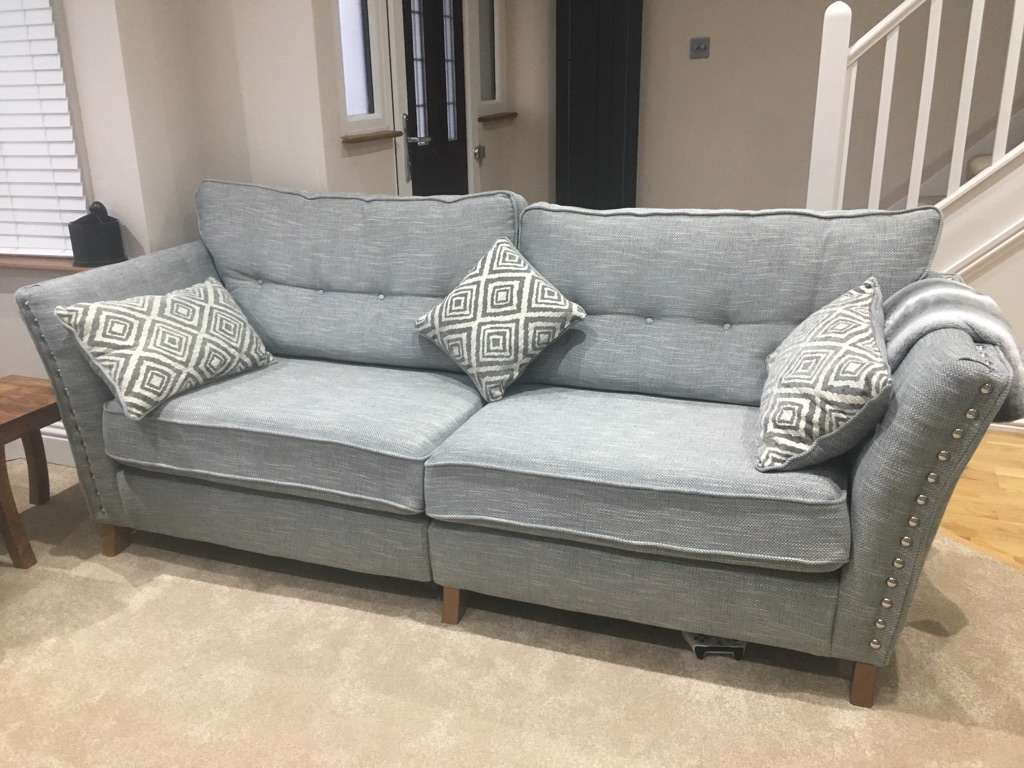 *Stunning Brand New 4 Seater Sofa*