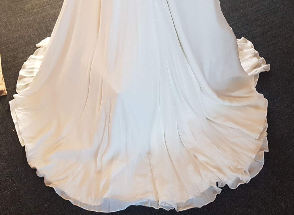 Suzanne Neville Wedding dress NEW