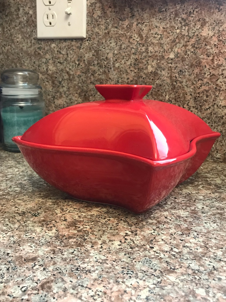 Red 1 Qt Square Casserole with Lid