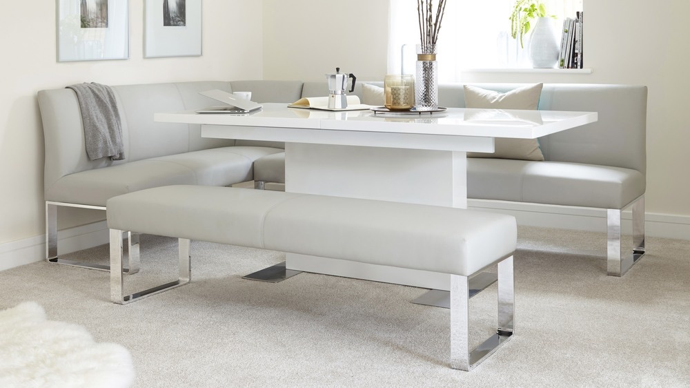 1 yr old Modern White gloss extendable dining table  Danetti (S