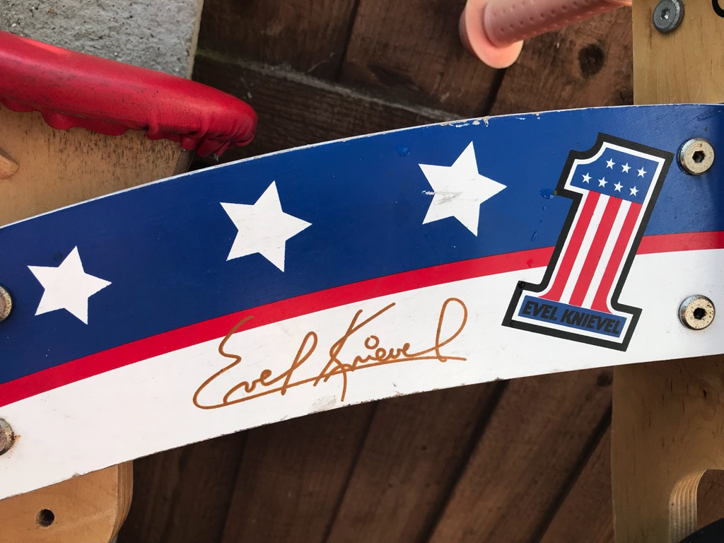 Evel Knievel kurve wooden balance bike