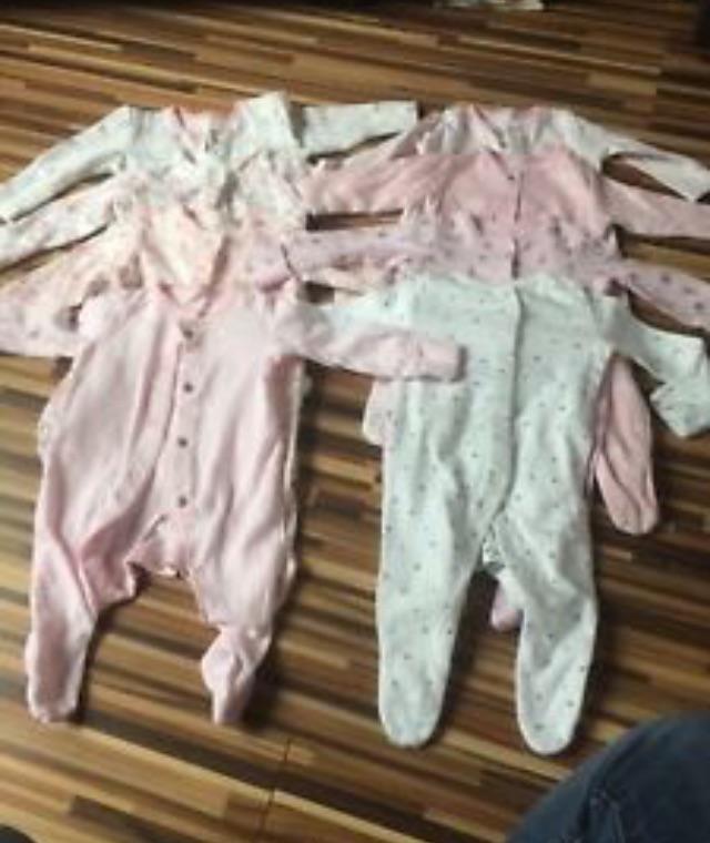 8 Newborn babygrows