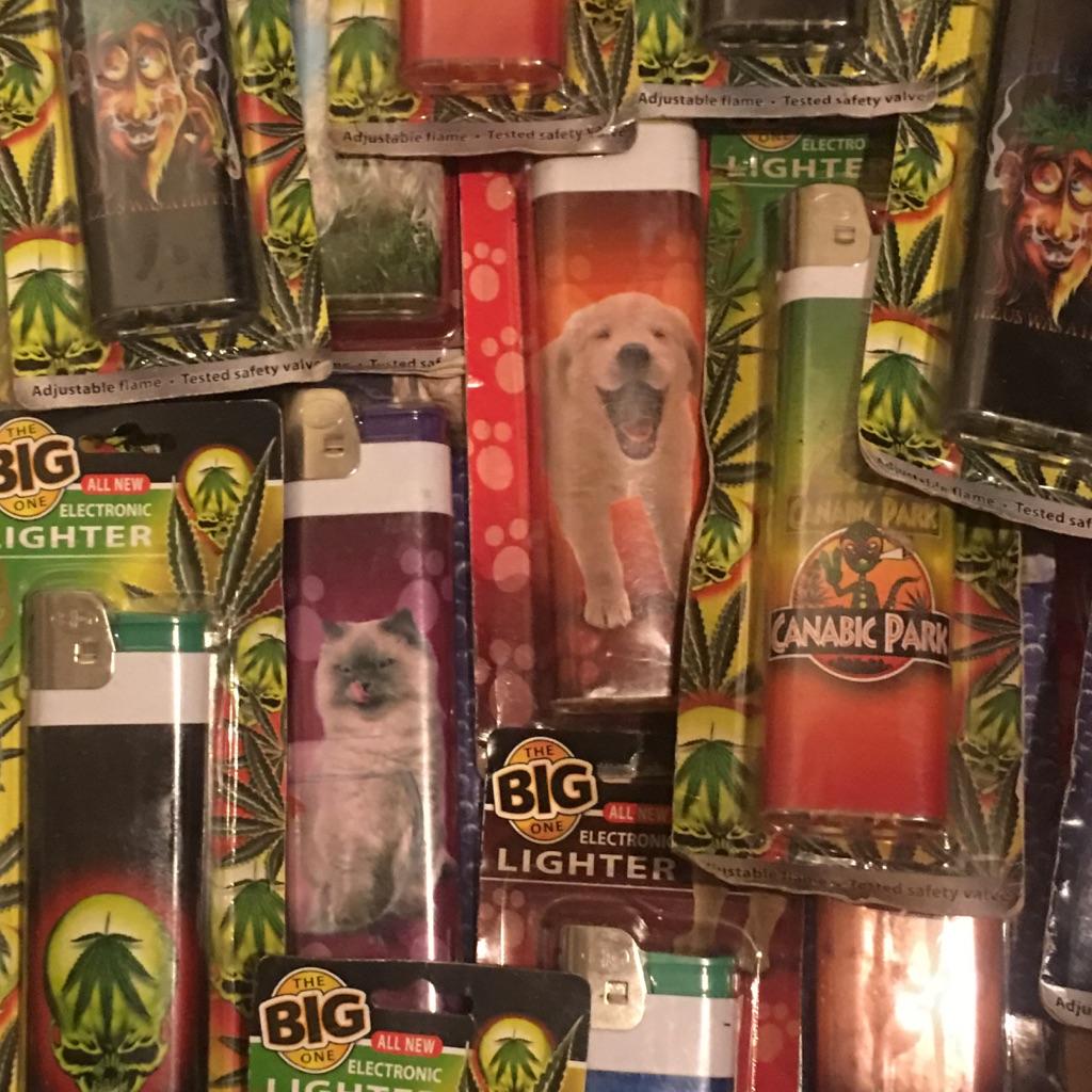 Job lot 30 jumbo lighters lighters