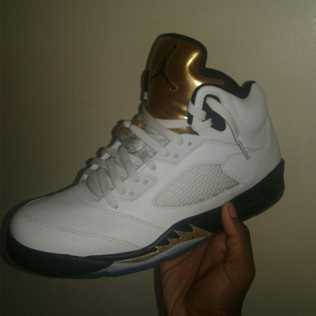 Air Jordan 5 Gold Coin size 10.5