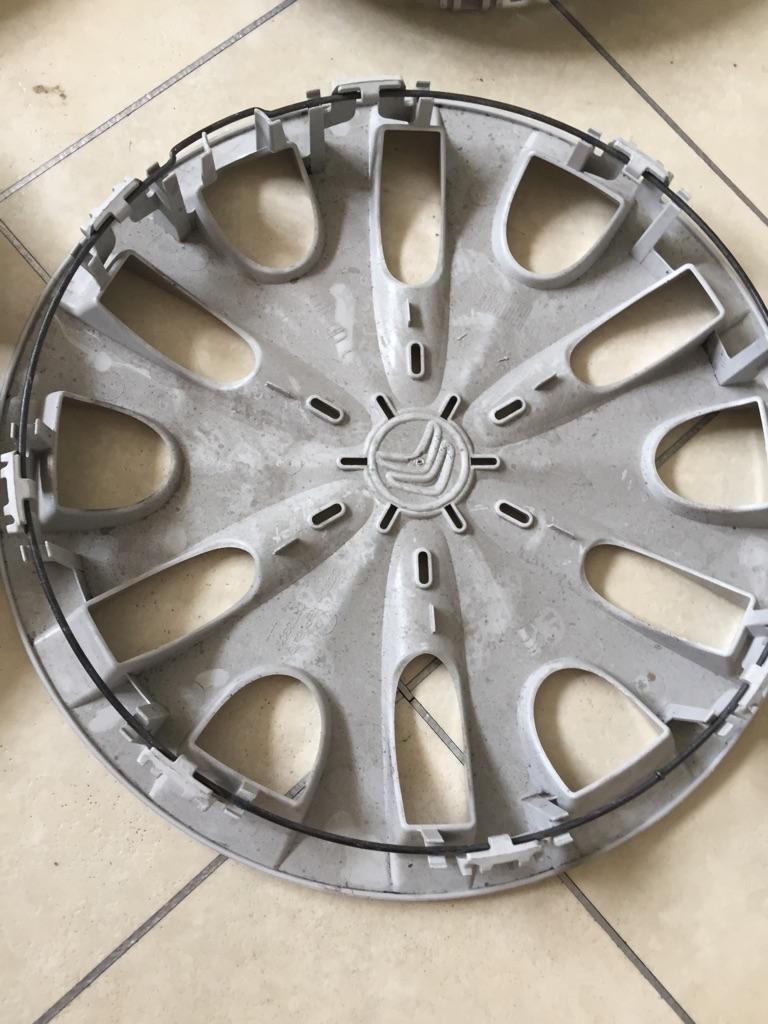 C1 hub caps