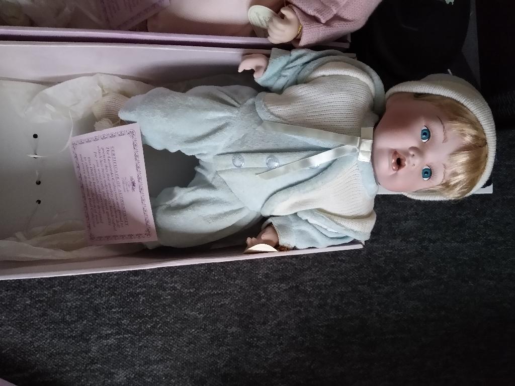 Porcelain dolls 25 each