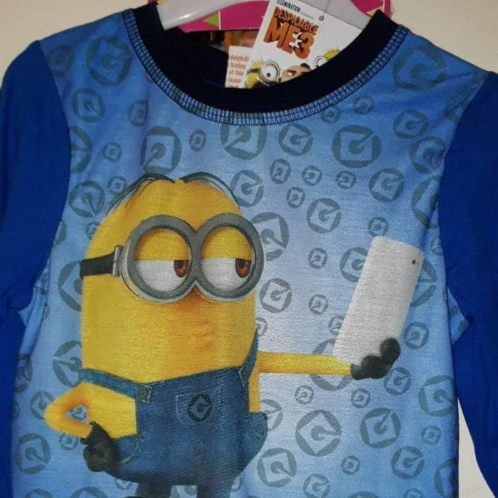 Boys long sleeved minion Pyjamas Age 3-4  years