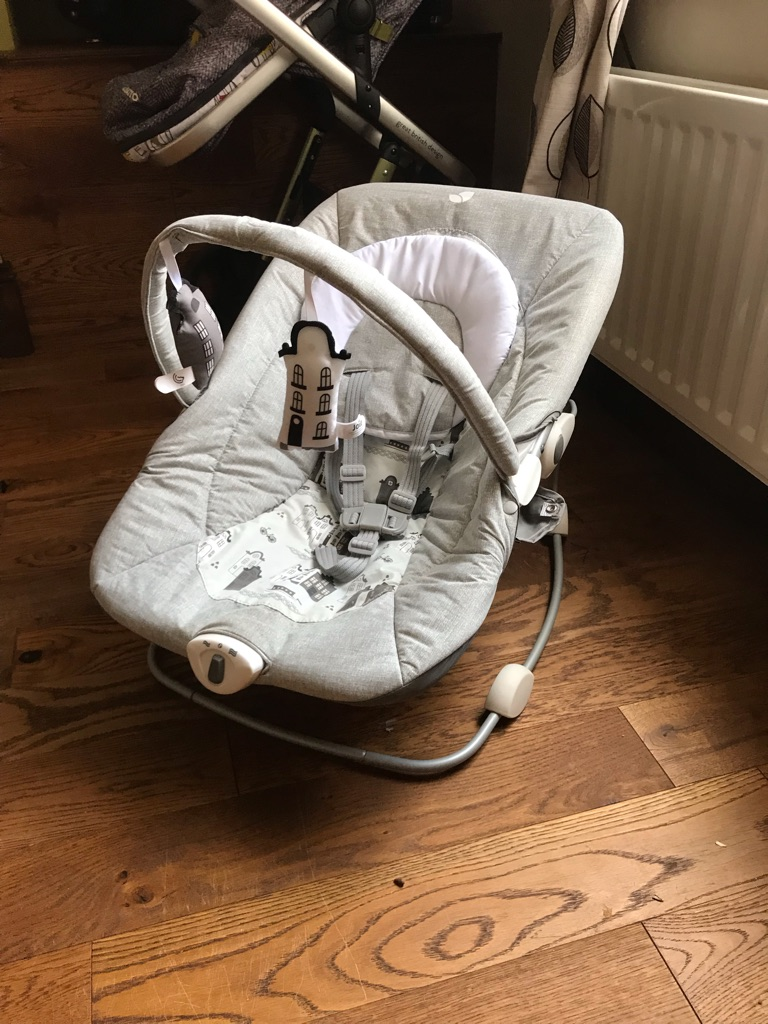 Cosatto giggle travel system, car seat with isofix base and jole bouncer