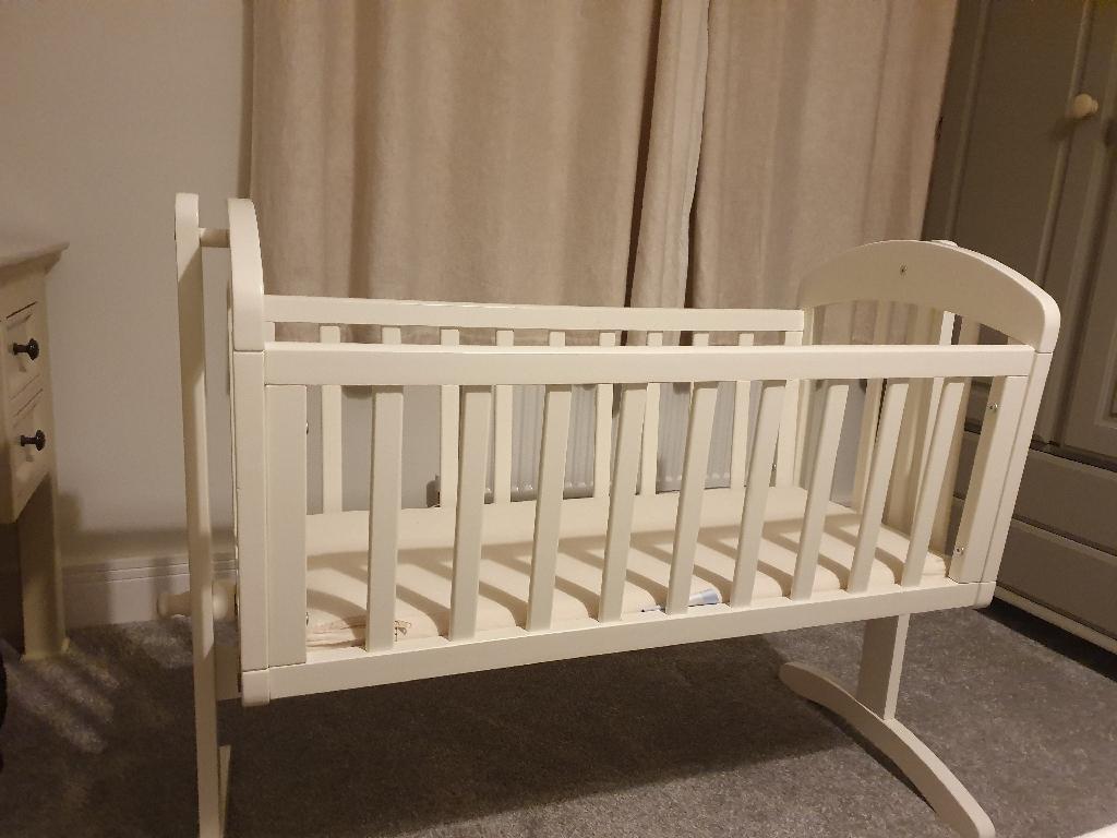 Mamas and papas swing crib