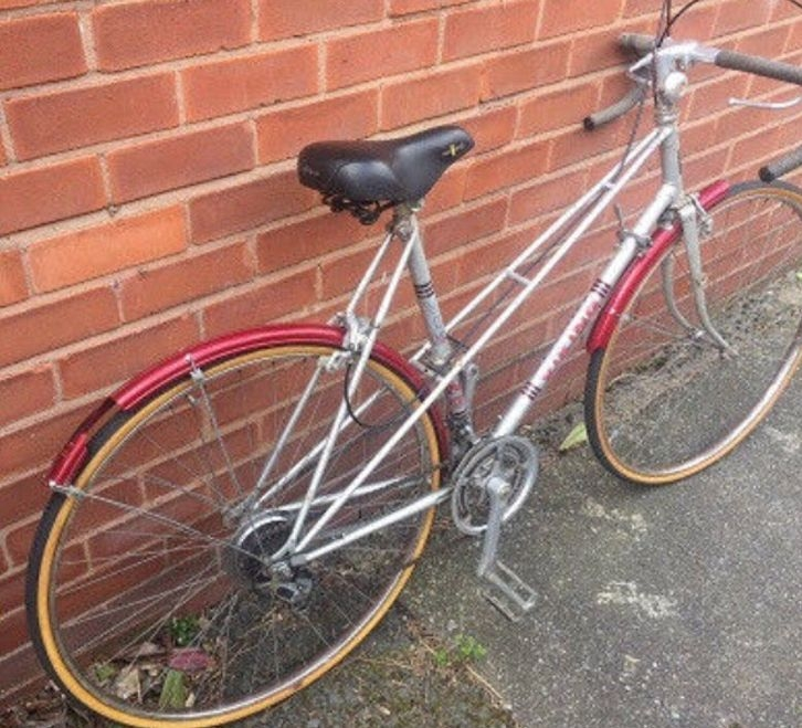 Road bike : Nice Smooth Ride and Fully Working!