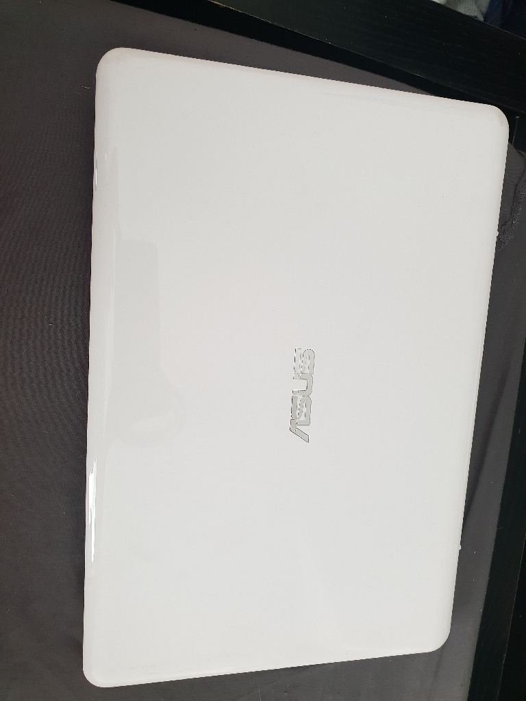 Asus white notebook laptop