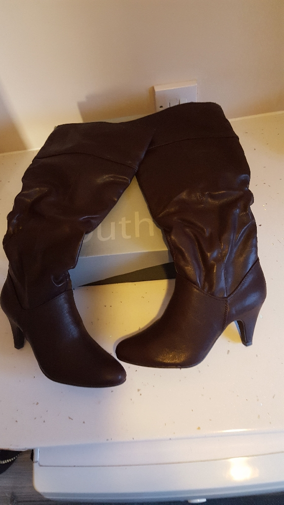 South brown boots