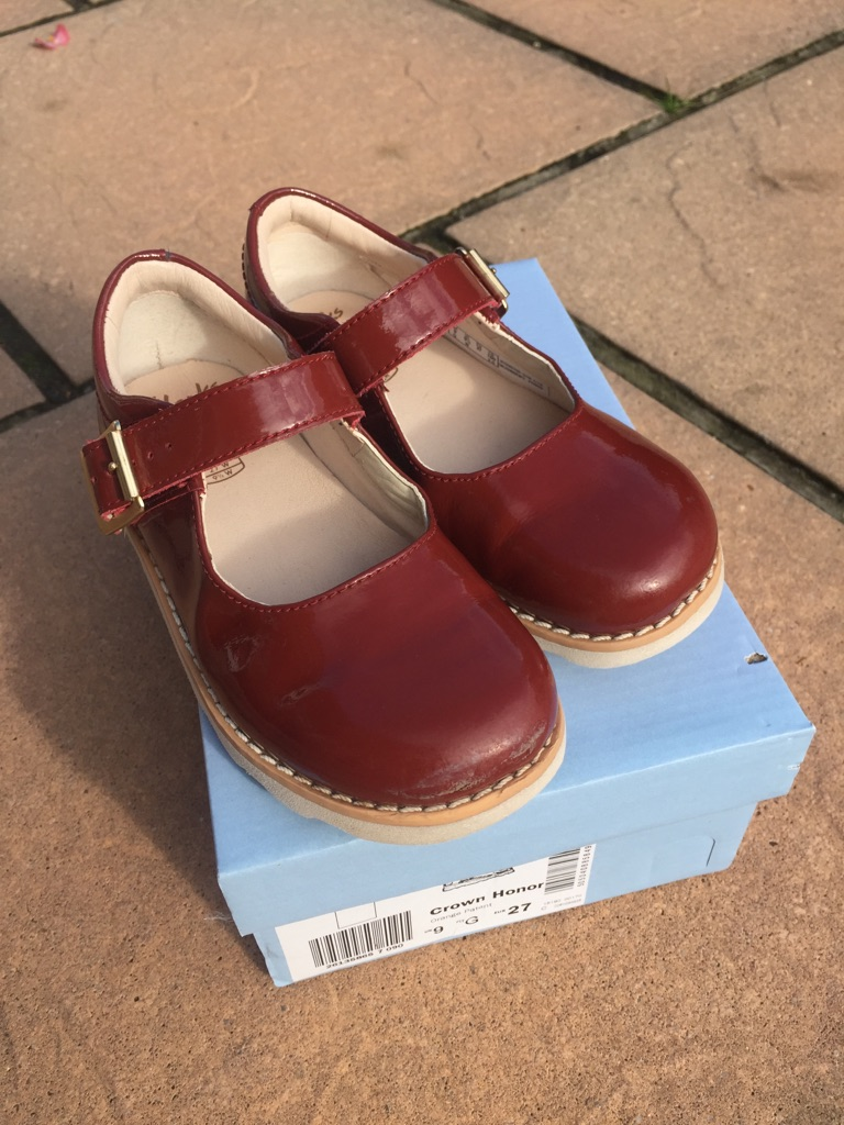 Clarks Girls Patent Shoes UK9 G