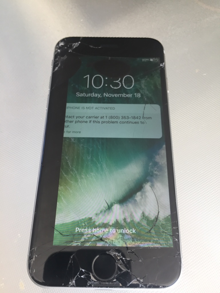 IPhone 6 32 GB cracked screen