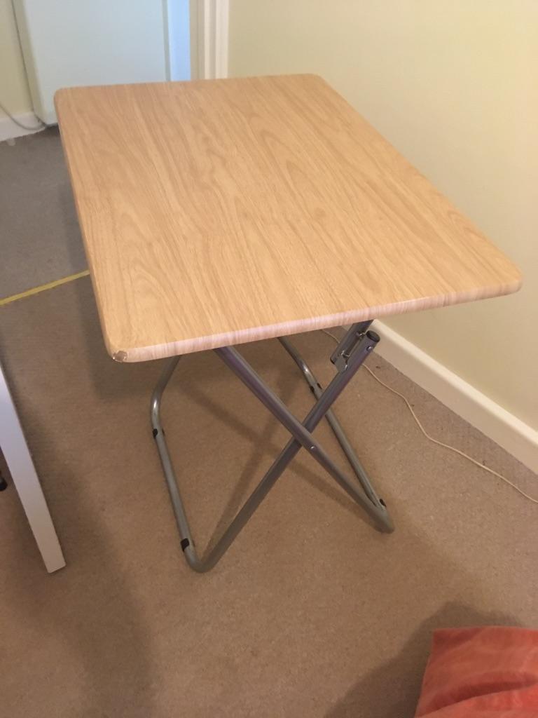 Foldaway table slight damage to 1 corner
