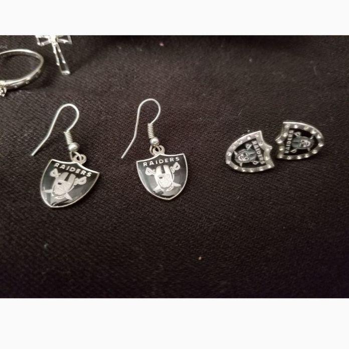 2 pairs of Raiders earings