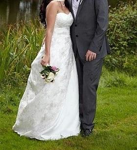 Stunning Amanda Wyatt wedding dress size 10-12