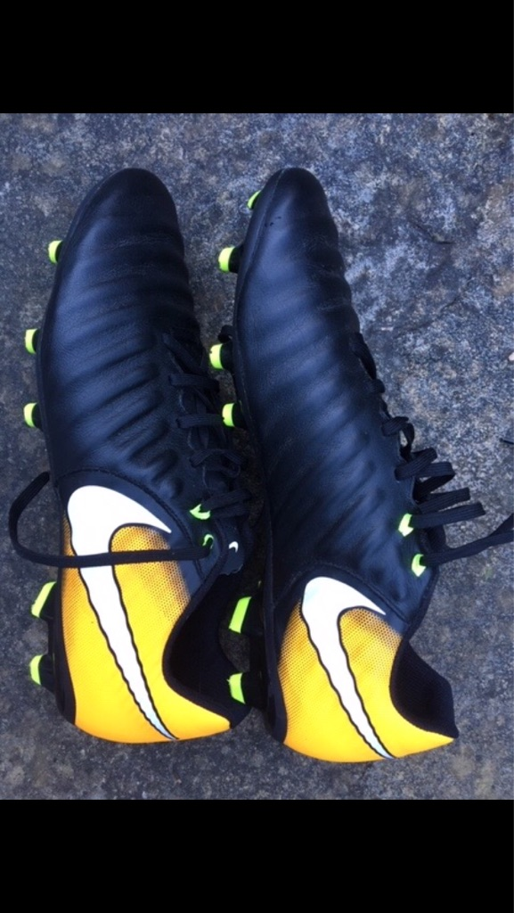 Nike Tiempo Football Boots (UK 10.5)