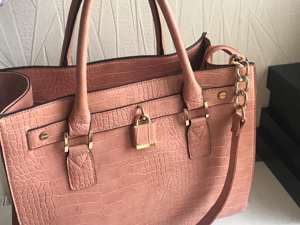 Beautiful ladies hand bag