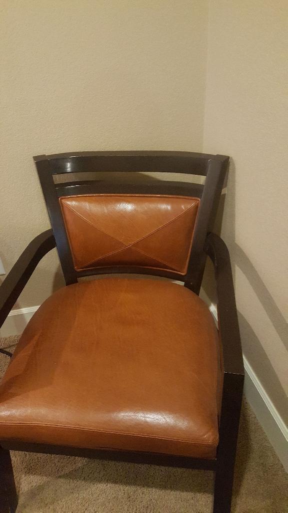 Modernize Leather Chair