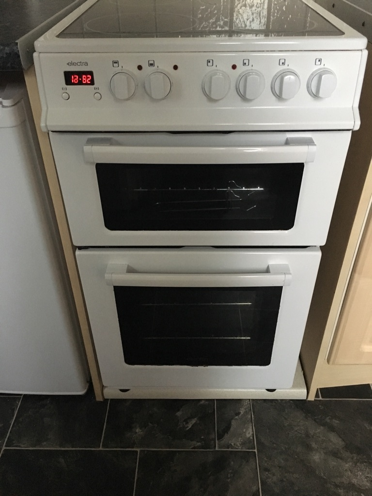 ELECTRA Cooker with Ceramic Hobs