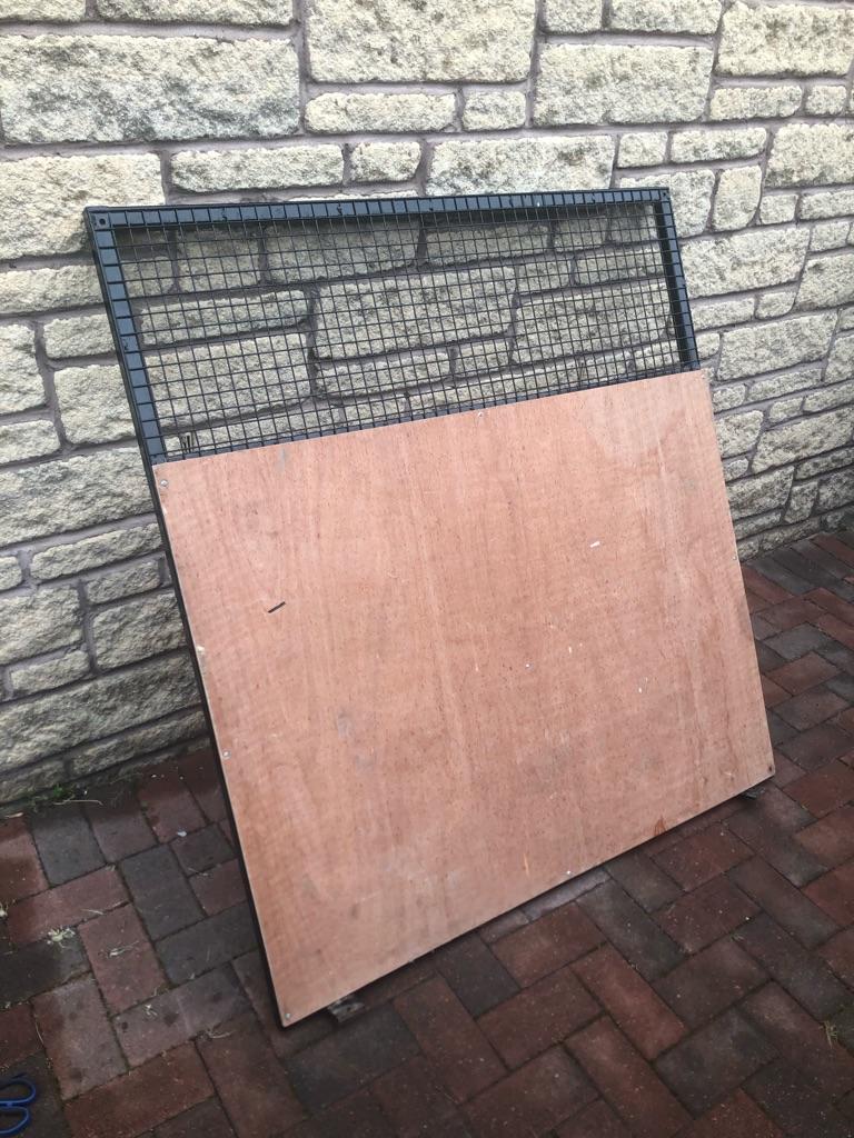 Van Barrier, Cage, Separator