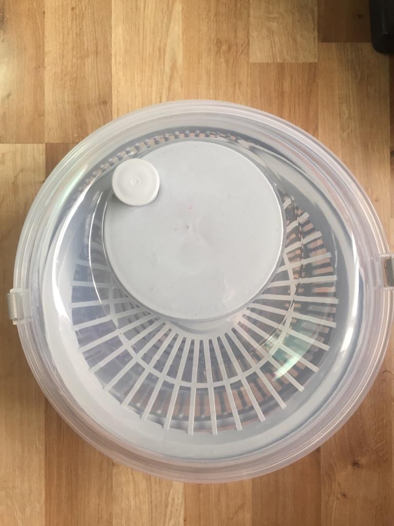 Salad spinner washer dryer.. ### 3