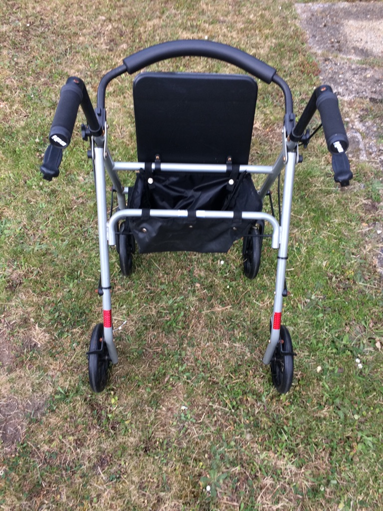 Folding rollator 4 wheel walker
