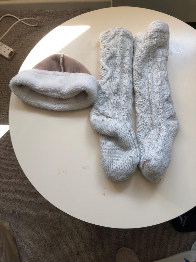 Ladies hat and long socks