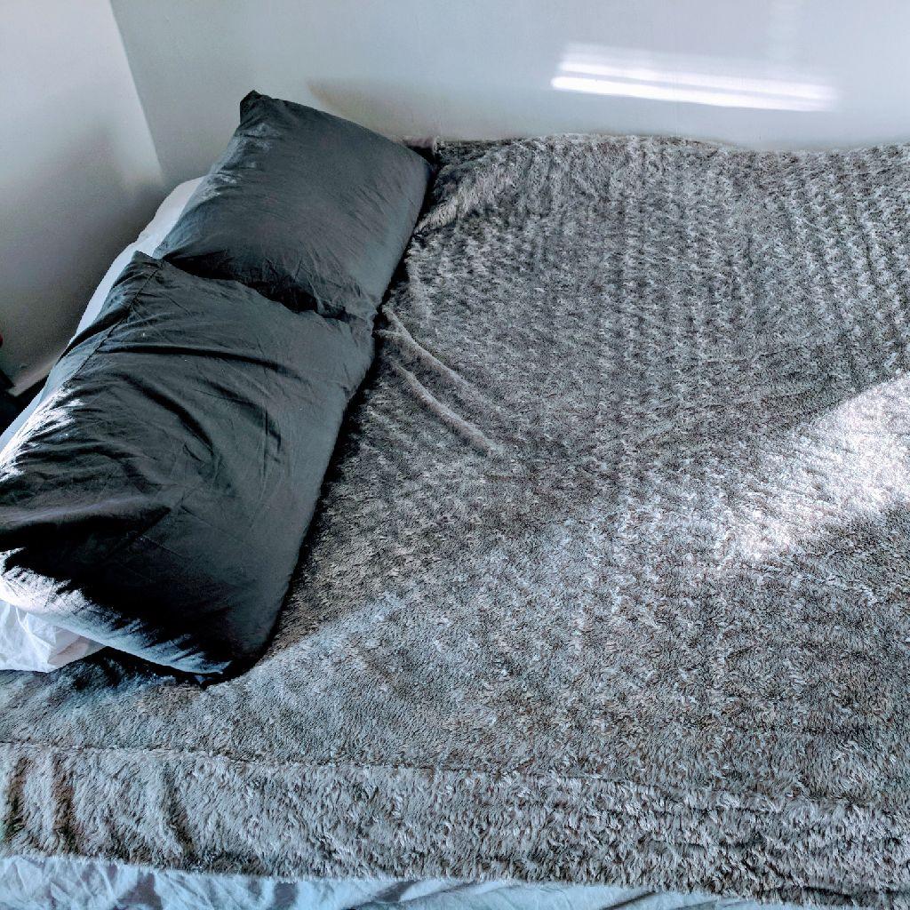 Fleece bed cover