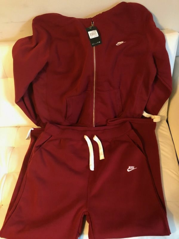 Two piece nike sweat suit