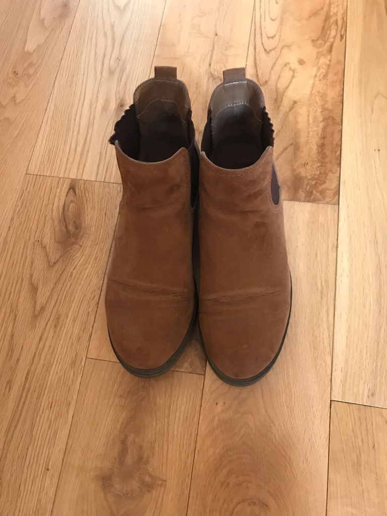 Women's boots size 38