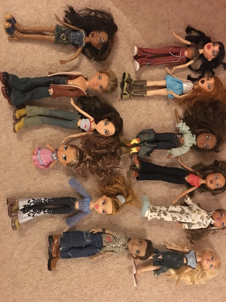 Bratz dolls 12