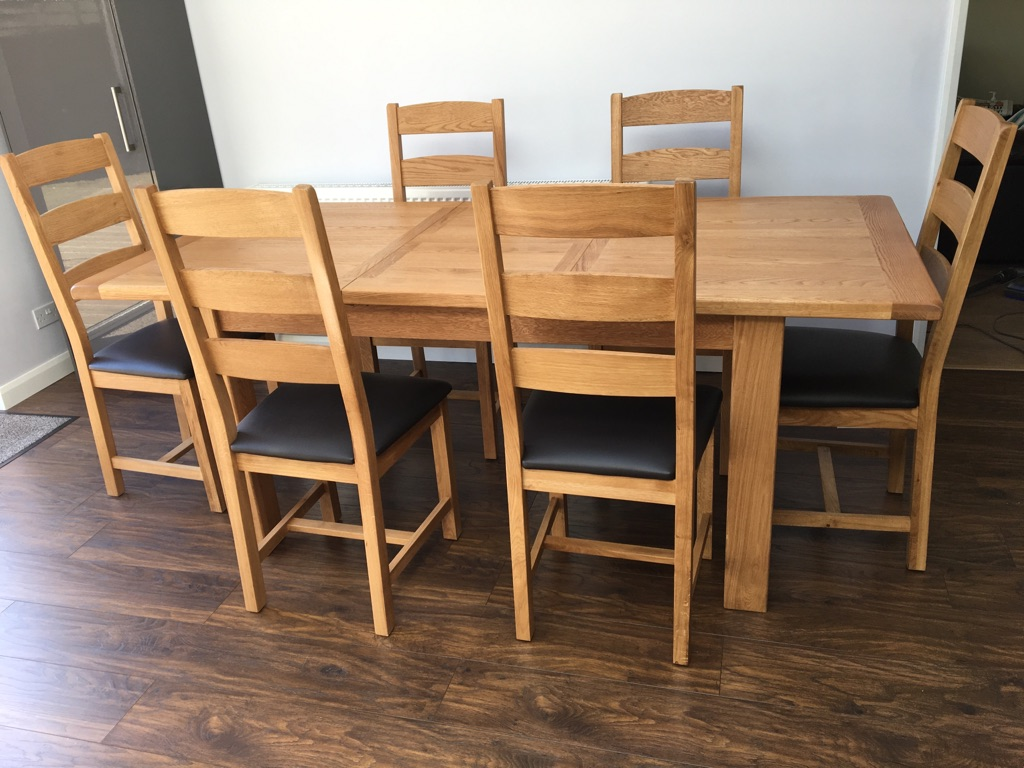 Brand new never been used Extending Oak Dining Table and 6 Chairs