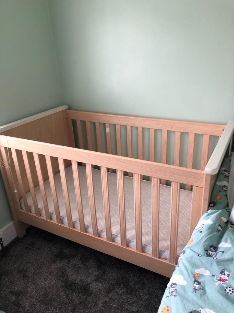 Mama and papas Murano cot bed