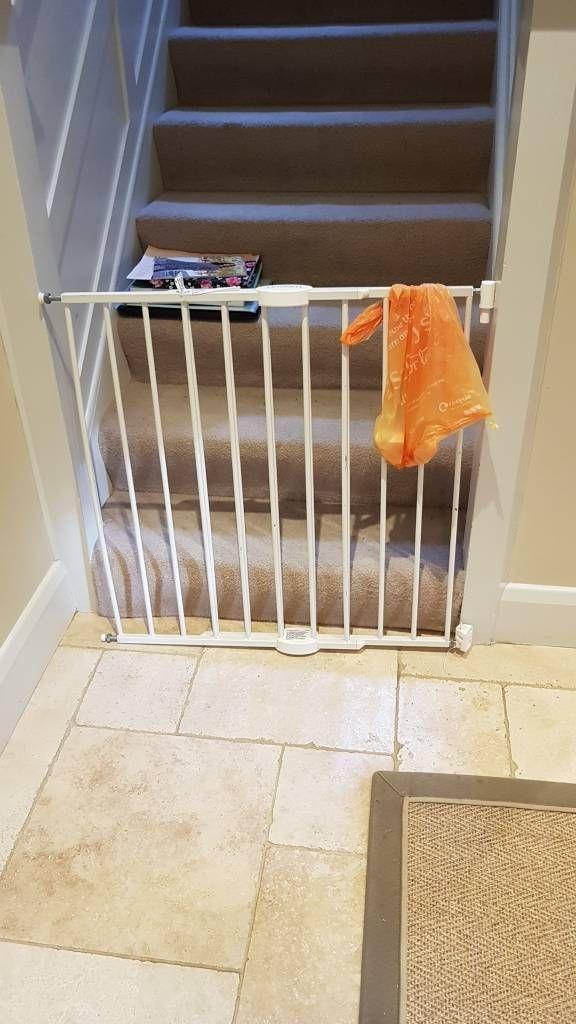 Baby toddler gate