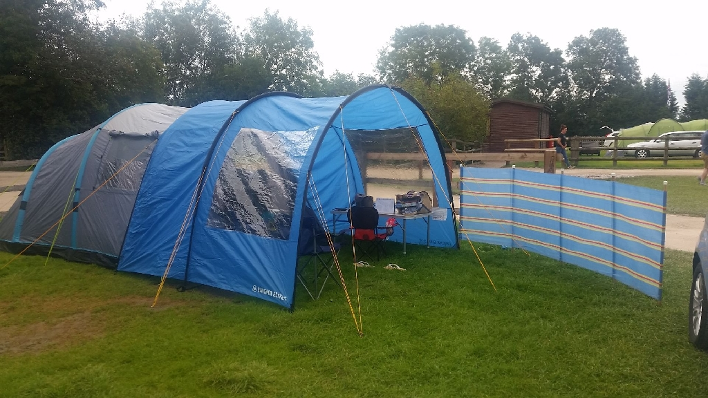 Hi Gear Air Horizon 4 man tent and extension canopy ... & Looking for items on Village - know anyone whou0027s got one?