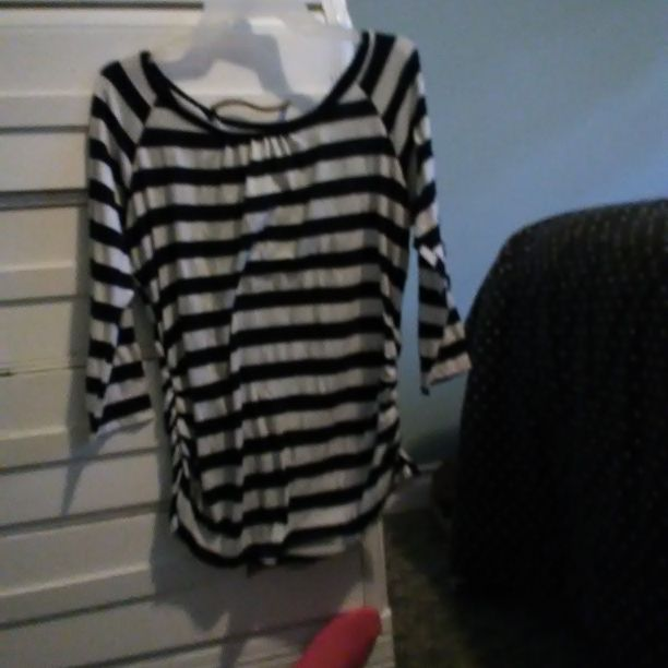 Striped shirt with lace