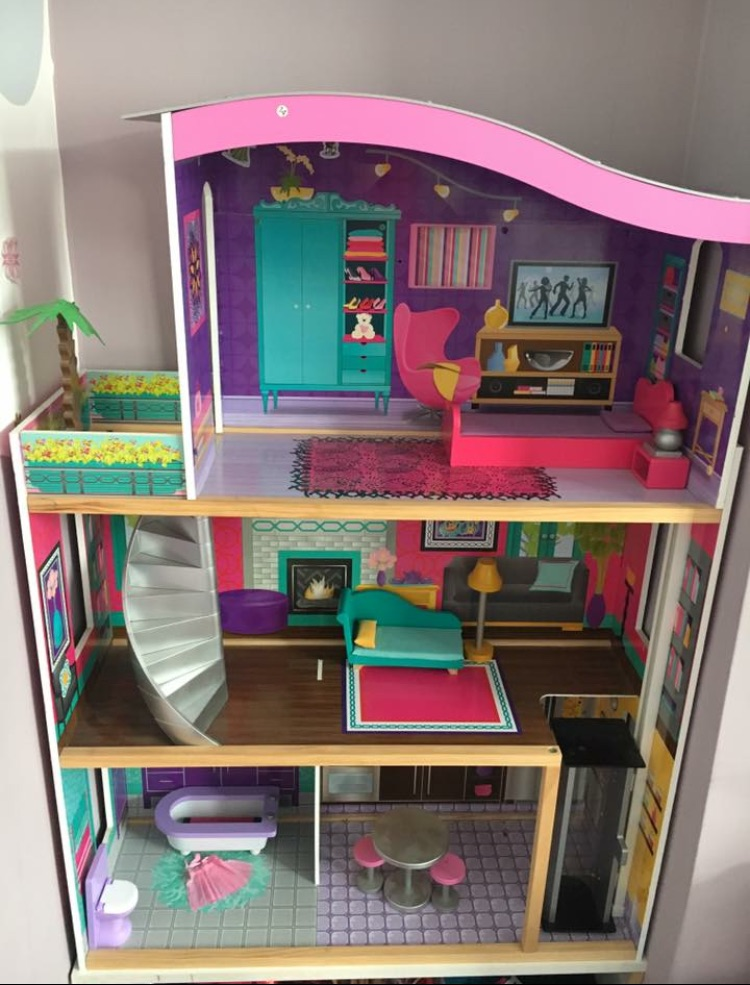Barbie dolls house