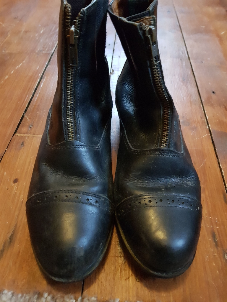 Toggi horse riding boots size 6