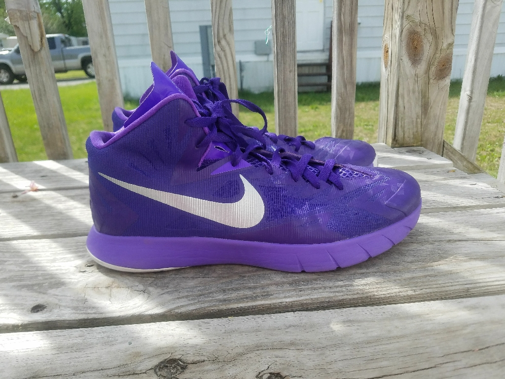 Men's Nike shoes (size 12)