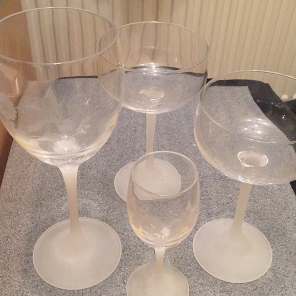 4 matching hummingbird glasses