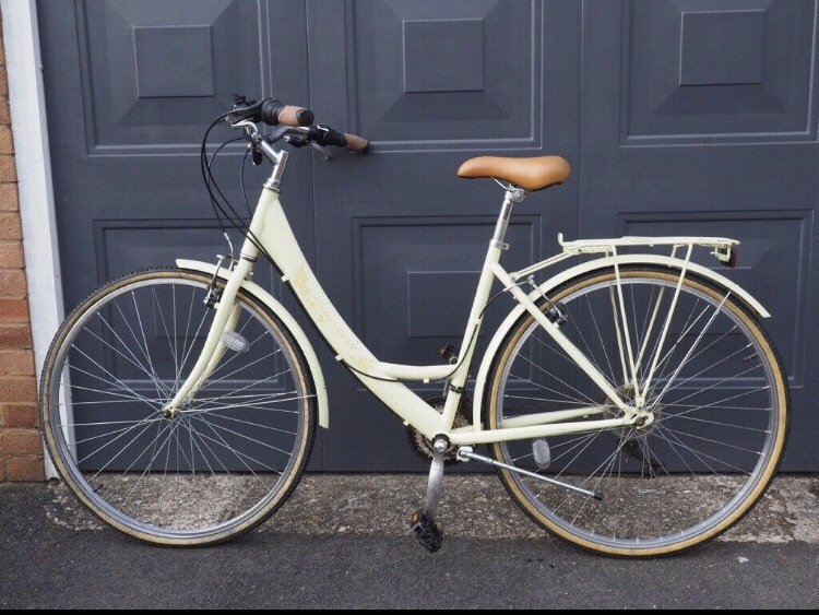 Ladies Retro Touring Bike