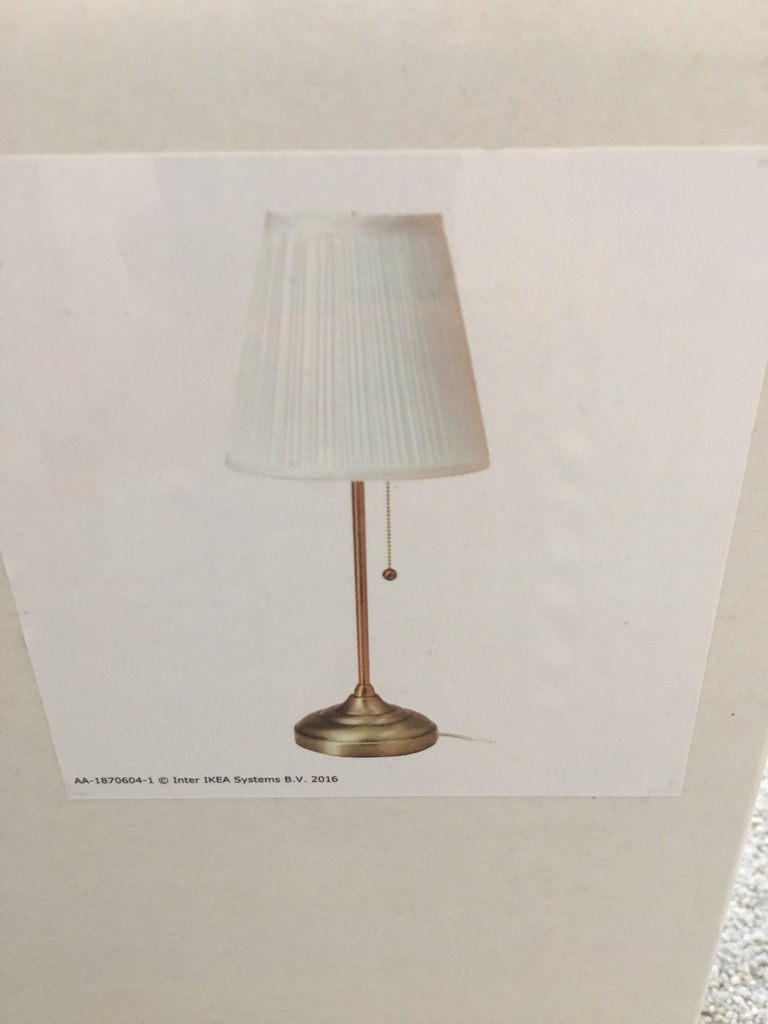 2x table lamps for sale.