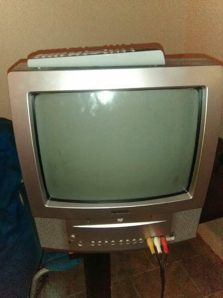 Toshiba tv/dvd player